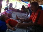 Niels goûte aux joies du massage thaïlandais!
